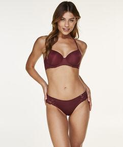 Brazilian Angie, Rot