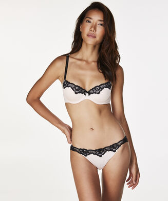 String mit Spitze Secret Lace , Rose