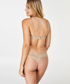 String Angie Nude, Teint