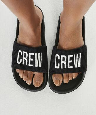 Schlappen Crew, Schwarz