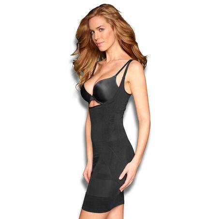 Formendes Kleid, Schwarz