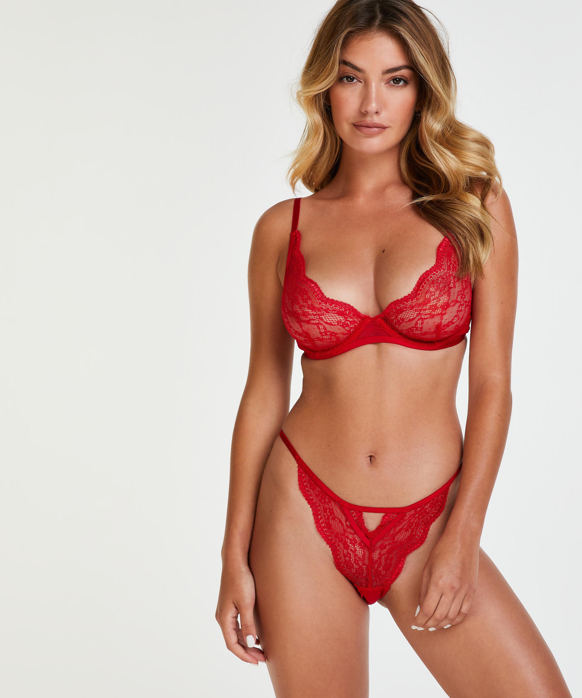 Brazilian Isabelle, Rot, main